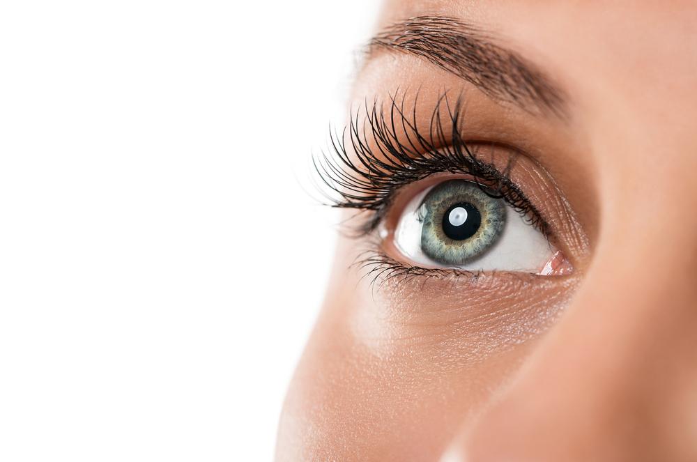 目の美容整形のリスク