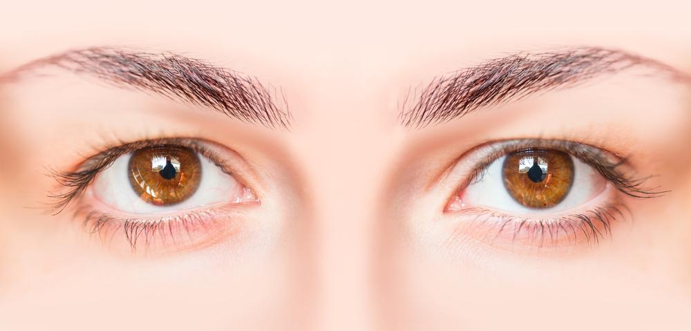 目の美容整形の修正