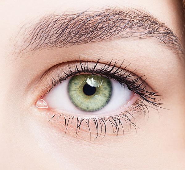 上目瞼凹み修正のメリット