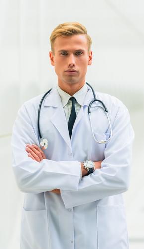 下眼瞼切開法の名医