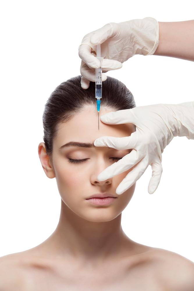 眉間のしわを解消する効果的な美容整形と名医