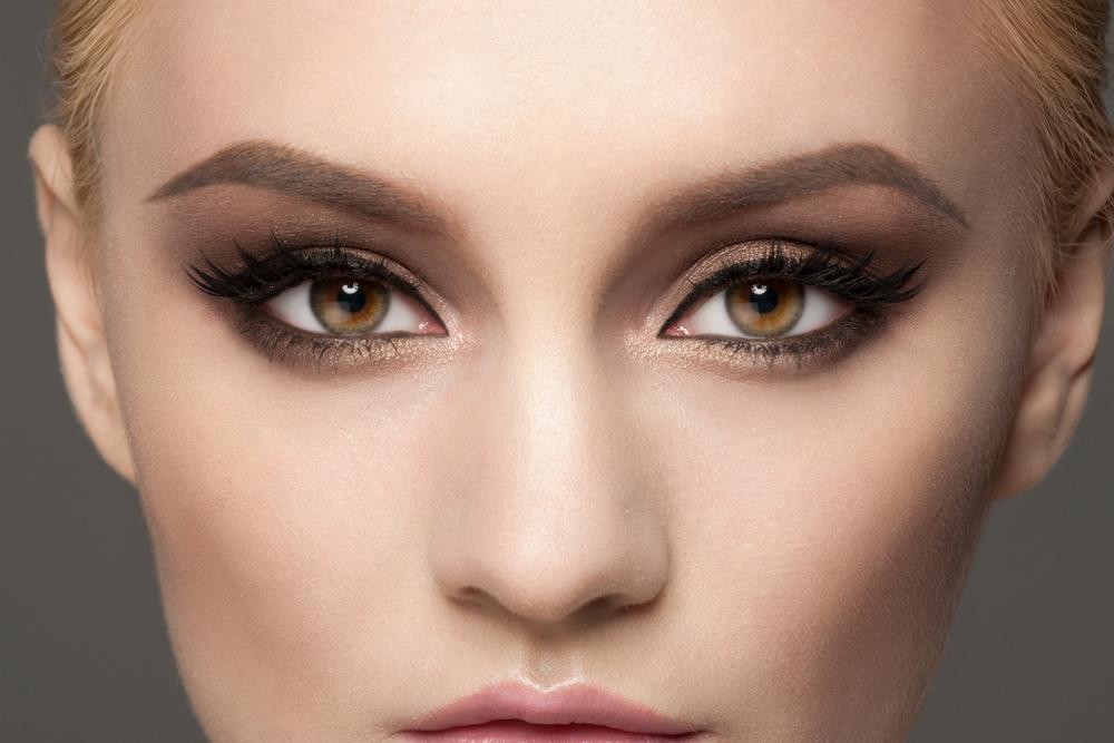 目の下のくまを解消する効果的な美容整形と名医