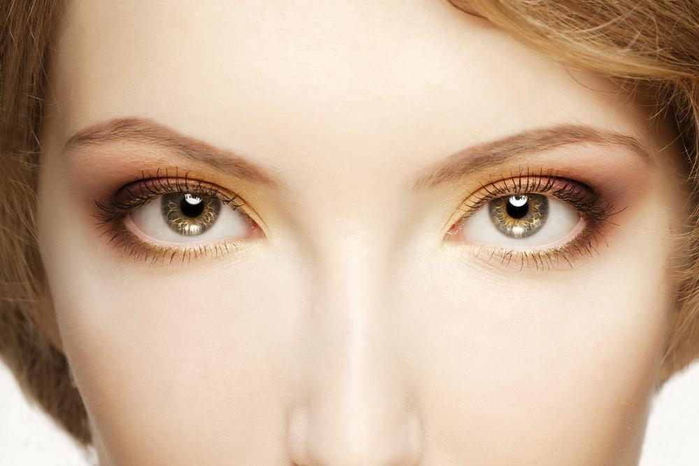 目の上のこけを解消する効果的な美容整形と名医