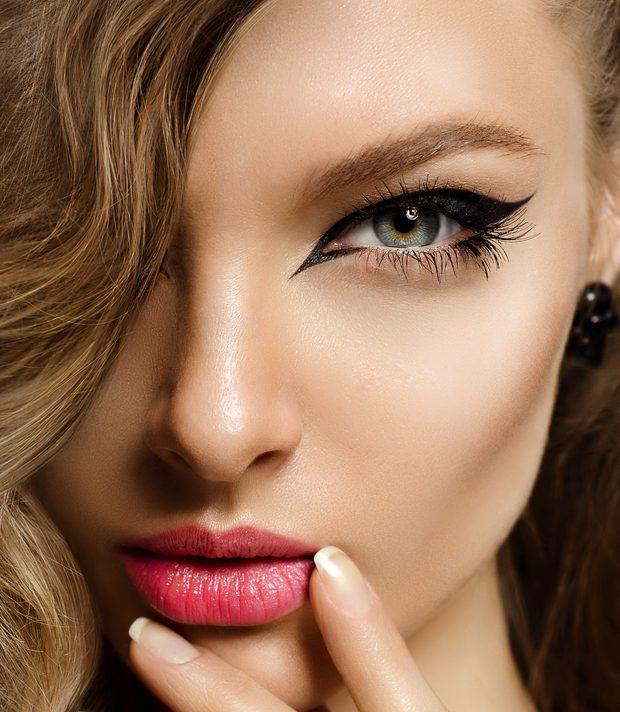 目の下のくぼみを解消する効果的な美容整形と名医