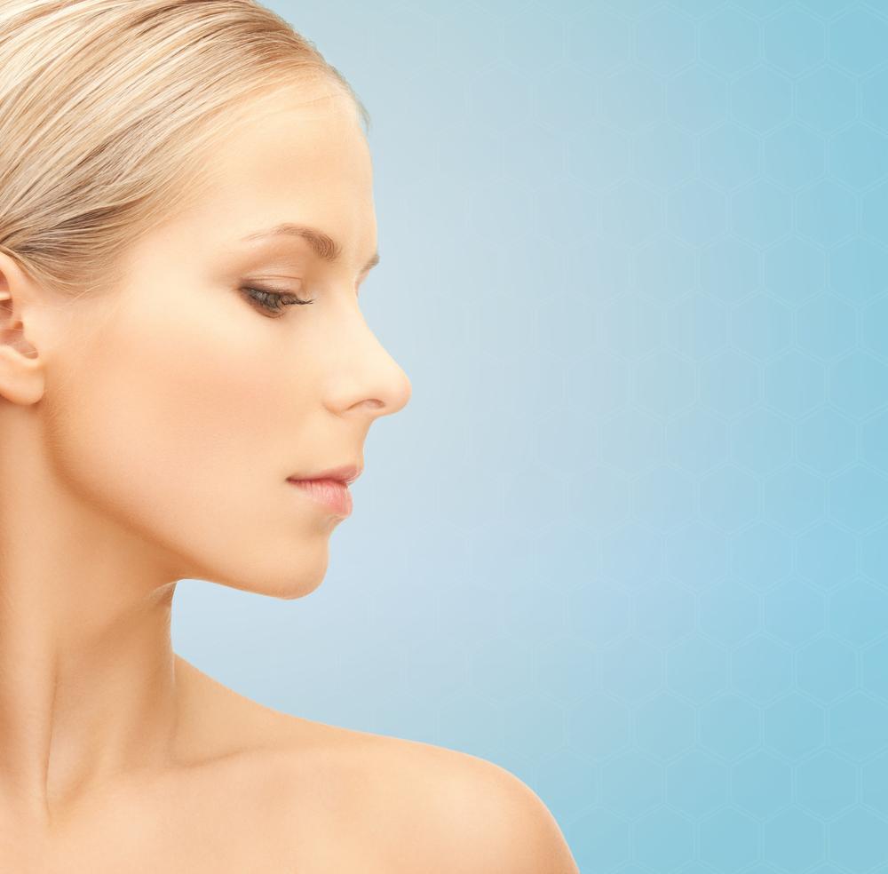 頬のしわを解消する効果的な美容整形と名医