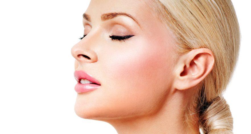 唇のしわを解消する効果的な美容整形と名医