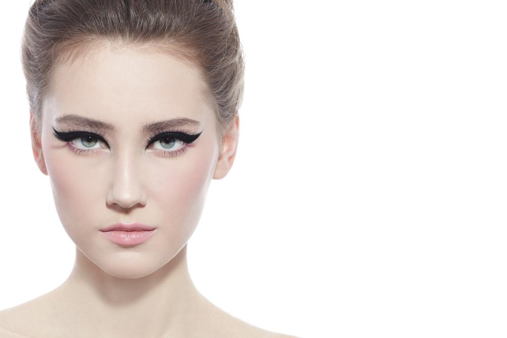 額のたるみを解消する効果的な美容整形と名医