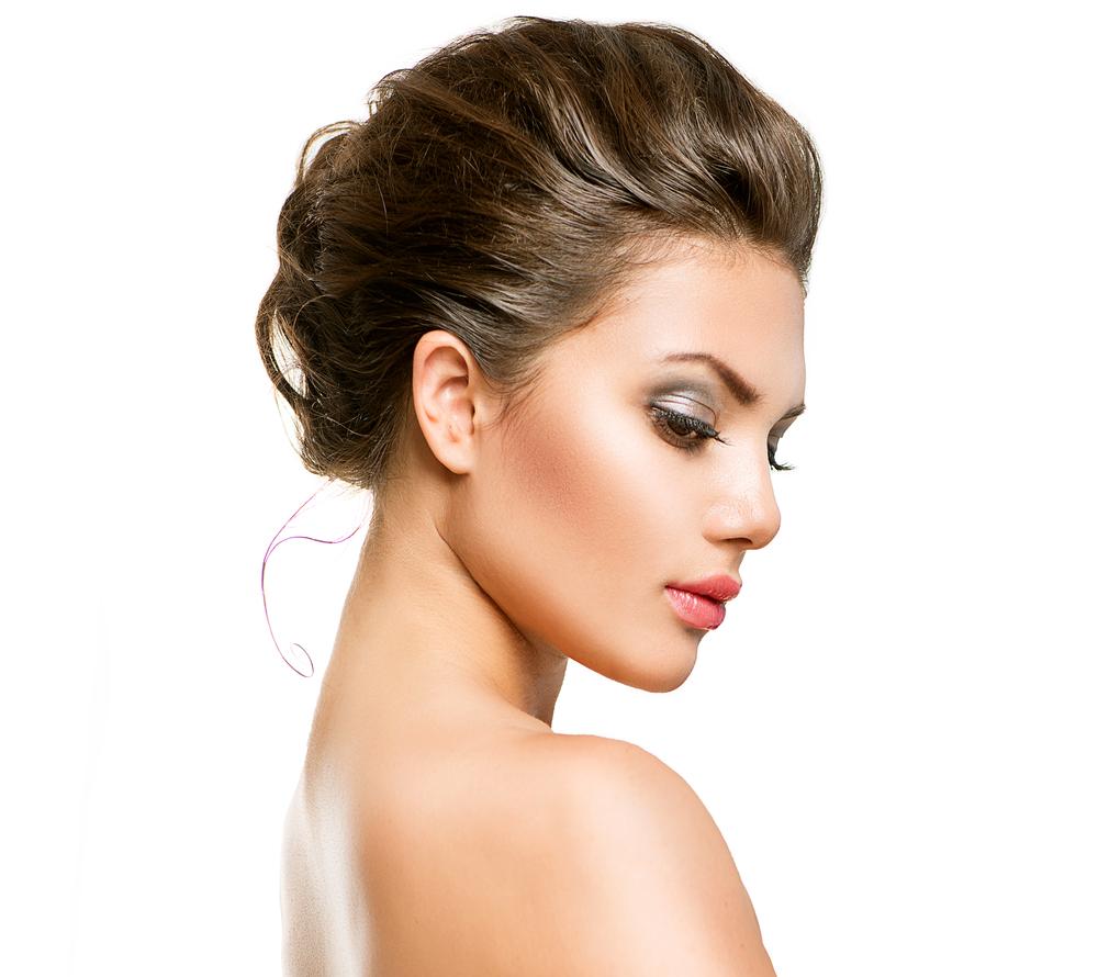 首のたるみを解消する効果的な美容整形と名医