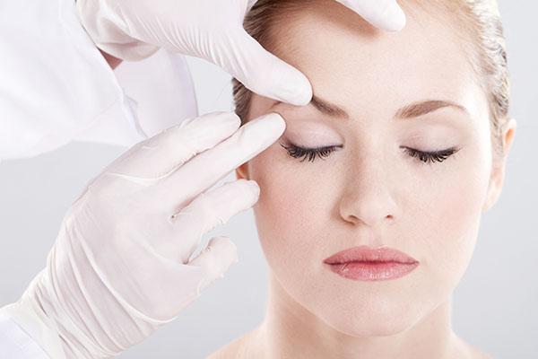 目尻靭帯移動術のデメリット