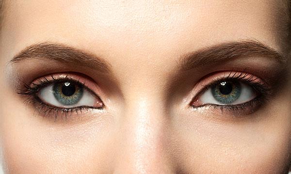 眉下切開法(上眼瞼リフト)のアフターケア