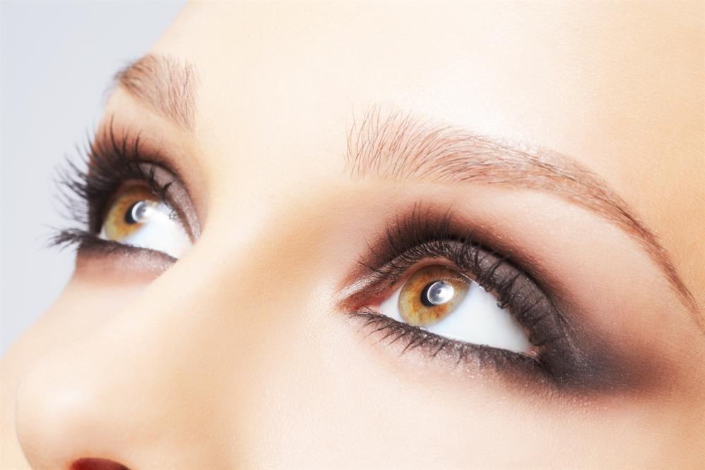 目尻のしわを解消する効果的な美容整形と名医