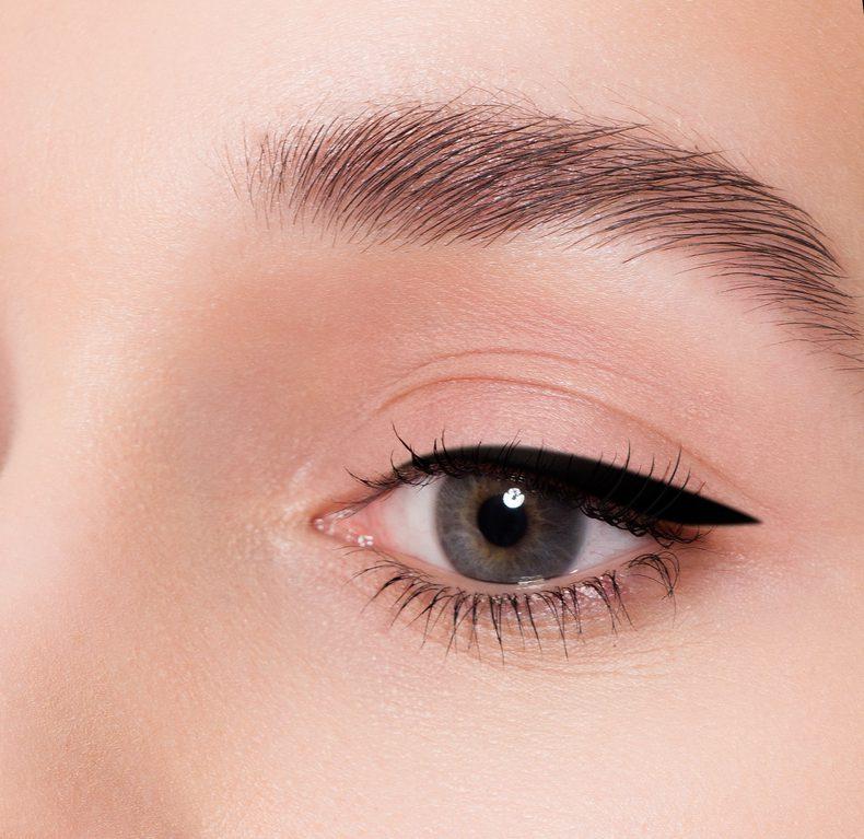 眼瞼下垂(挙筋短縮法)の失敗