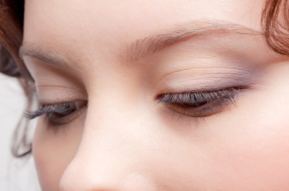 目の上のこけ解消の美容整形を理解するポイント10個まとめ