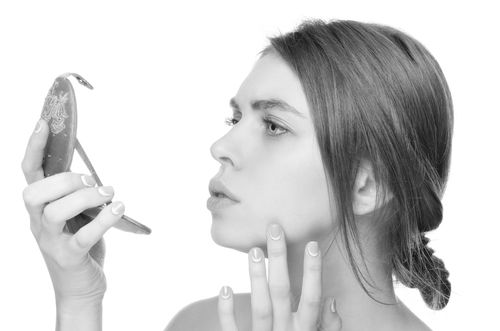 鼻根部Vライン形成のデメリット