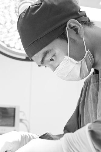 鼻中隔延長術(肋軟骨)の修正