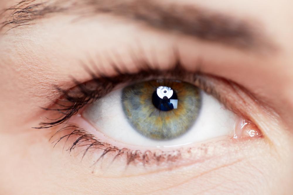目を大きくする整形