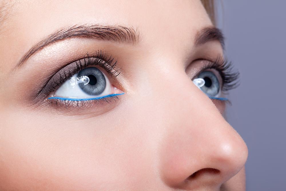 鼻の穴を小さくする整形の症例写真