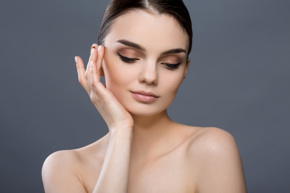 女性らしいおでこ・額を作る効果!ヒアルロン酸治療