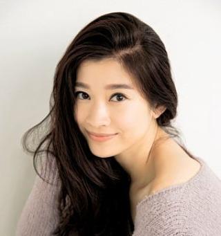 目の下の若々しいアラフォー有名人、篠原涼子
