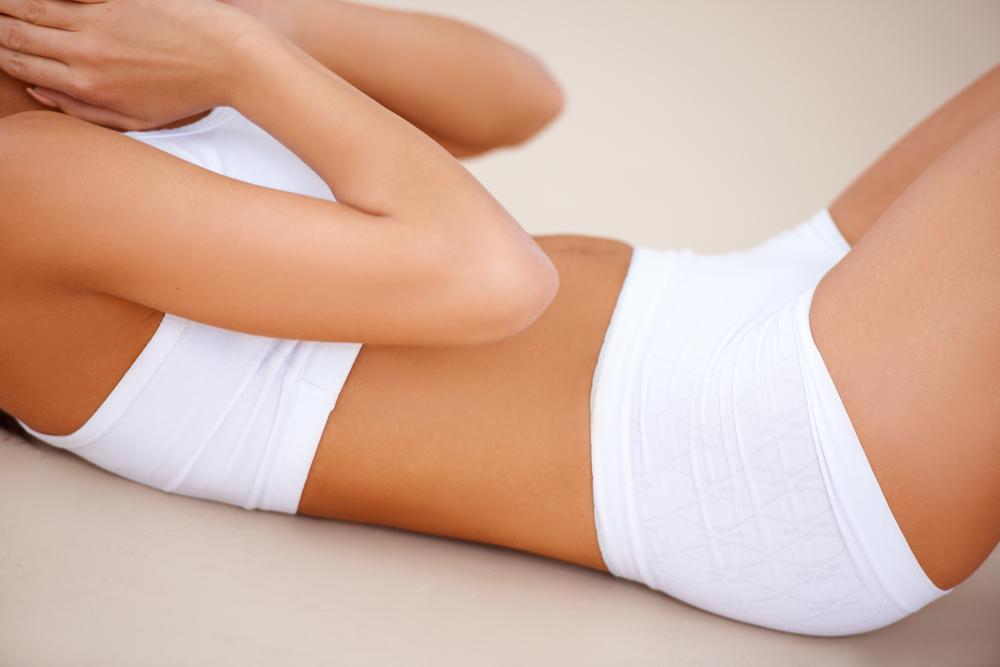 お腹(腹部)の脂肪吸引の修正