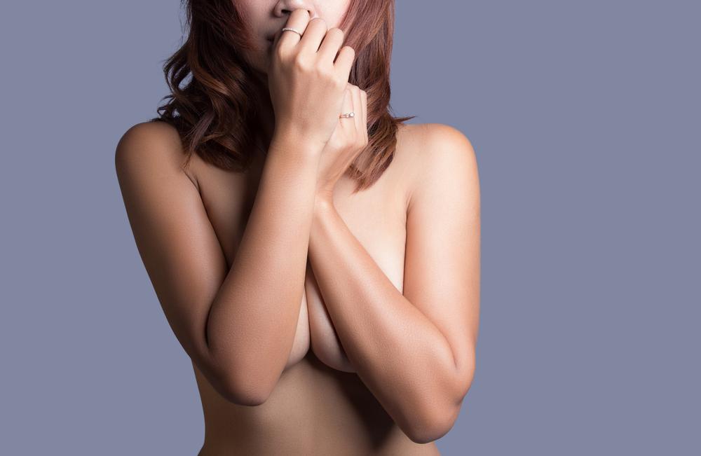 乳房縮小術(リダクション)で起こり得るリスク2つとは