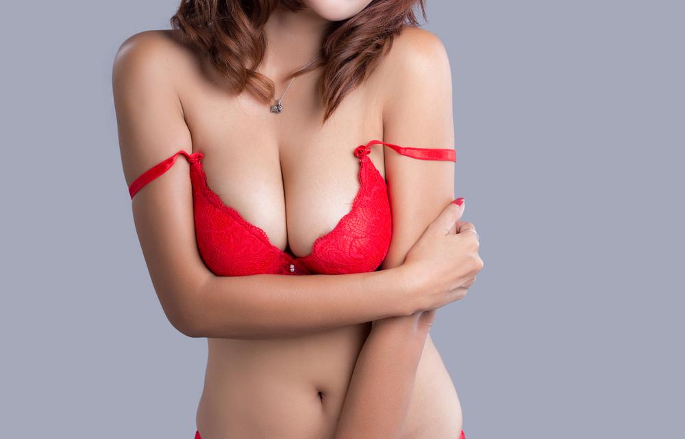 乳房縮小術(リダクション)の修正が可能な場合、不可能な場合